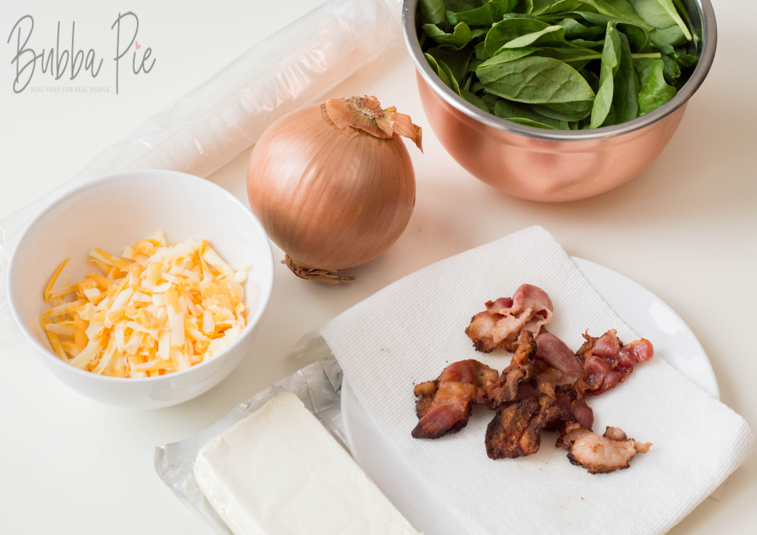 How to make Pinwheel sandwiches includes the ingredients of bacon, cheese, cream cheese, onion and spinach