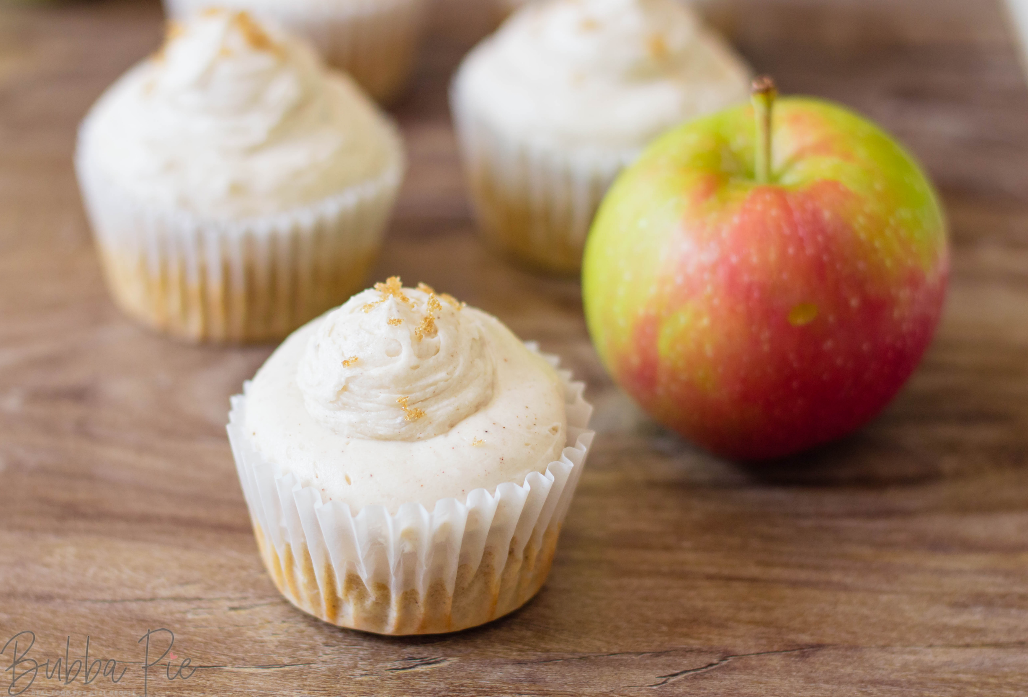 This Apple Cinnamon Cupcakes with Buttercream Frosting recipe is a perfect alternative thanksgiving dessert